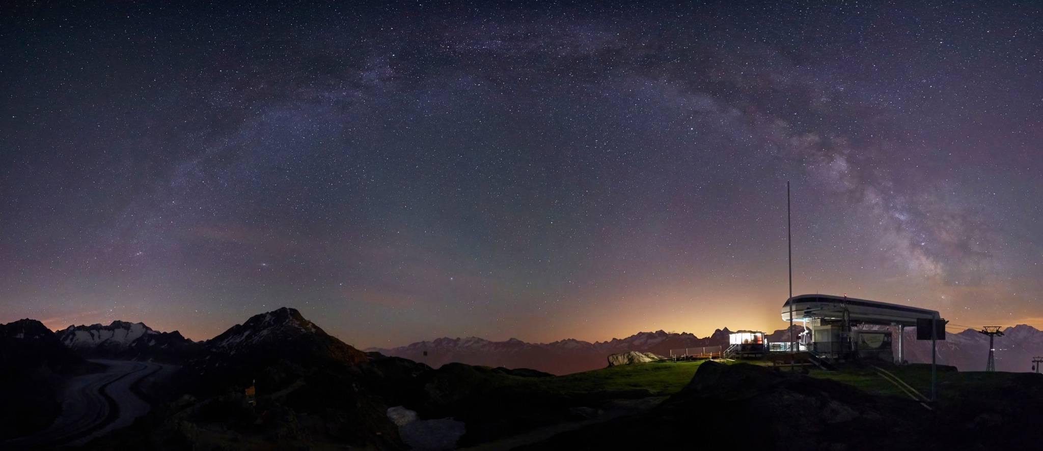Milchstrasse, fotografiert von der Moosfluh im Aletsch Gebiet © Markus Eichenberger