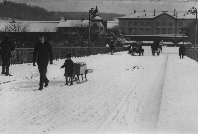 Olten, Bahnhofbrücke im Winter